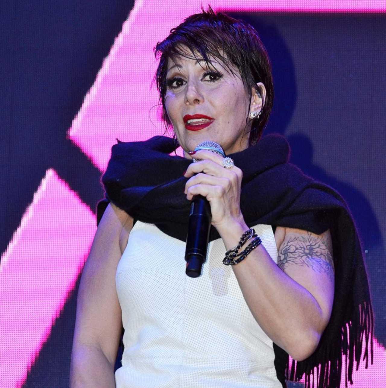 Alejandra Guzmán habló con Adela Micha de Frida Sofía  
