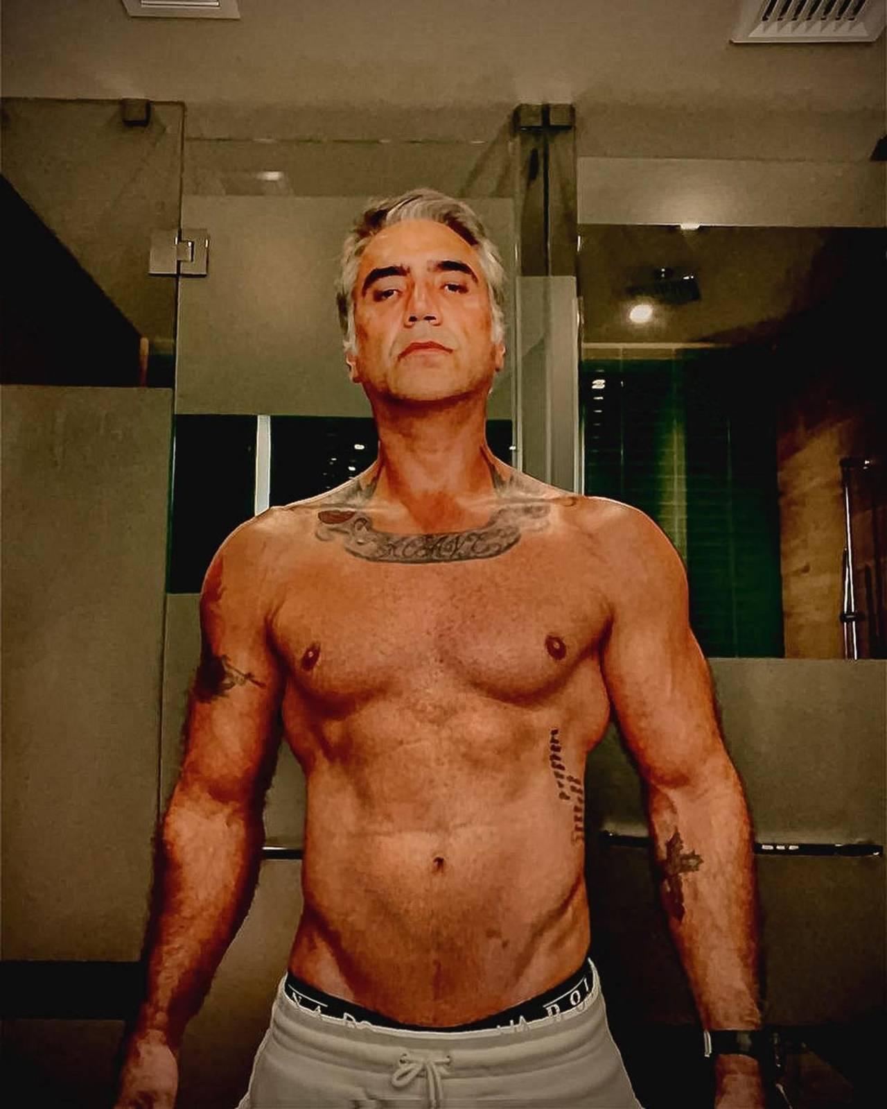 Alejandro Fernández cuerpo musculoso