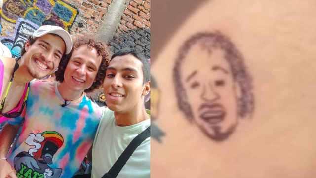 Luisito y el tatuaje del glúteo
