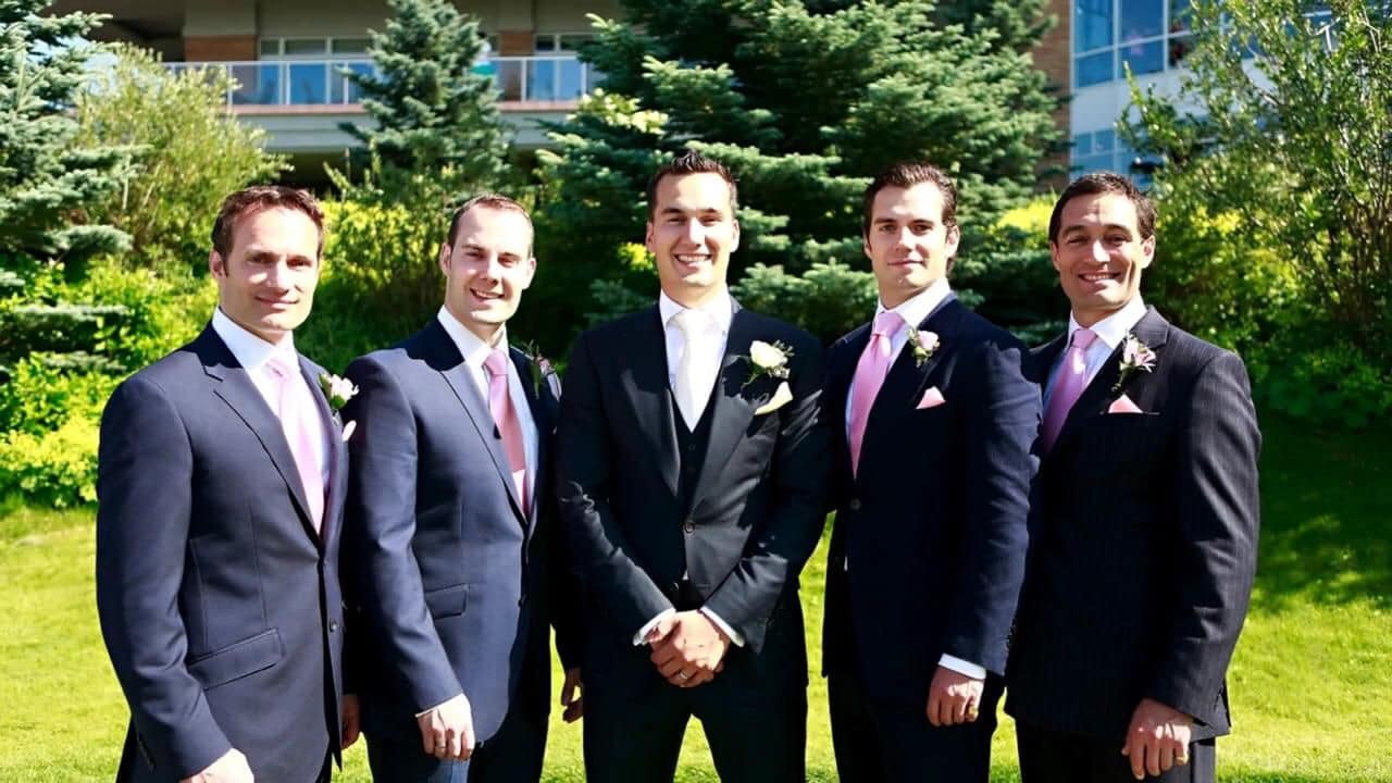 Son 5 hermanos Cavill guapos