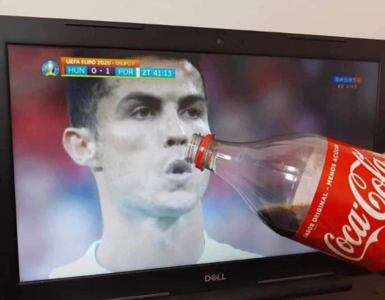 Meme Cristiano Ronaldo tomando Coca Cola