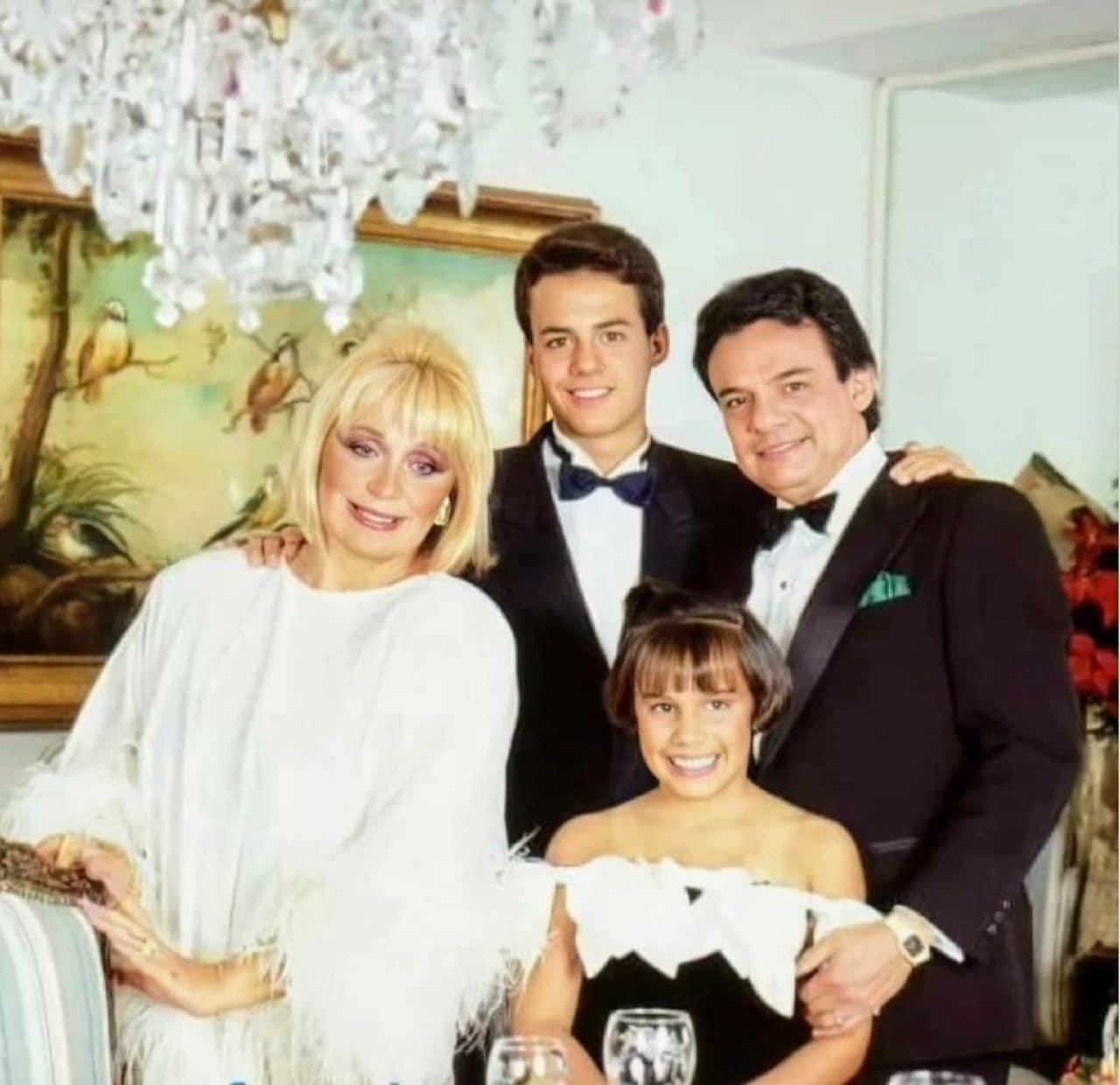 Anel Norena su familia Jose Jose