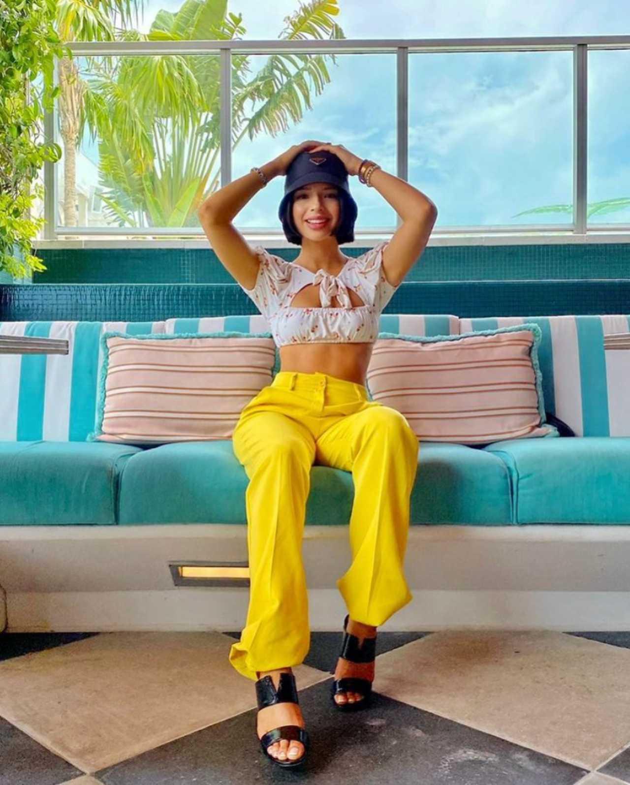Ángela Aguilar presume outfit en Miami