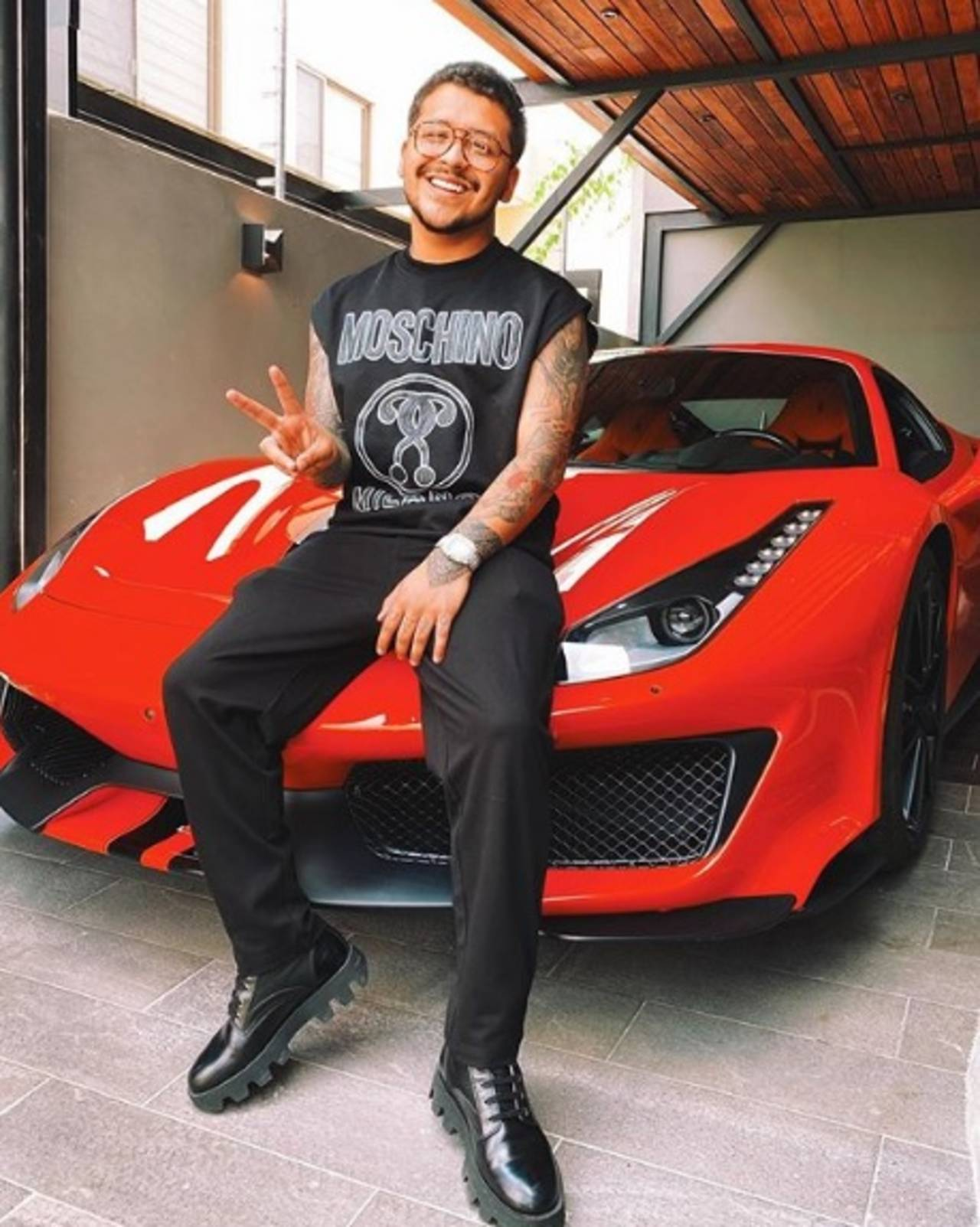 Christian Nodal tiene una vida llena de costosos lujos