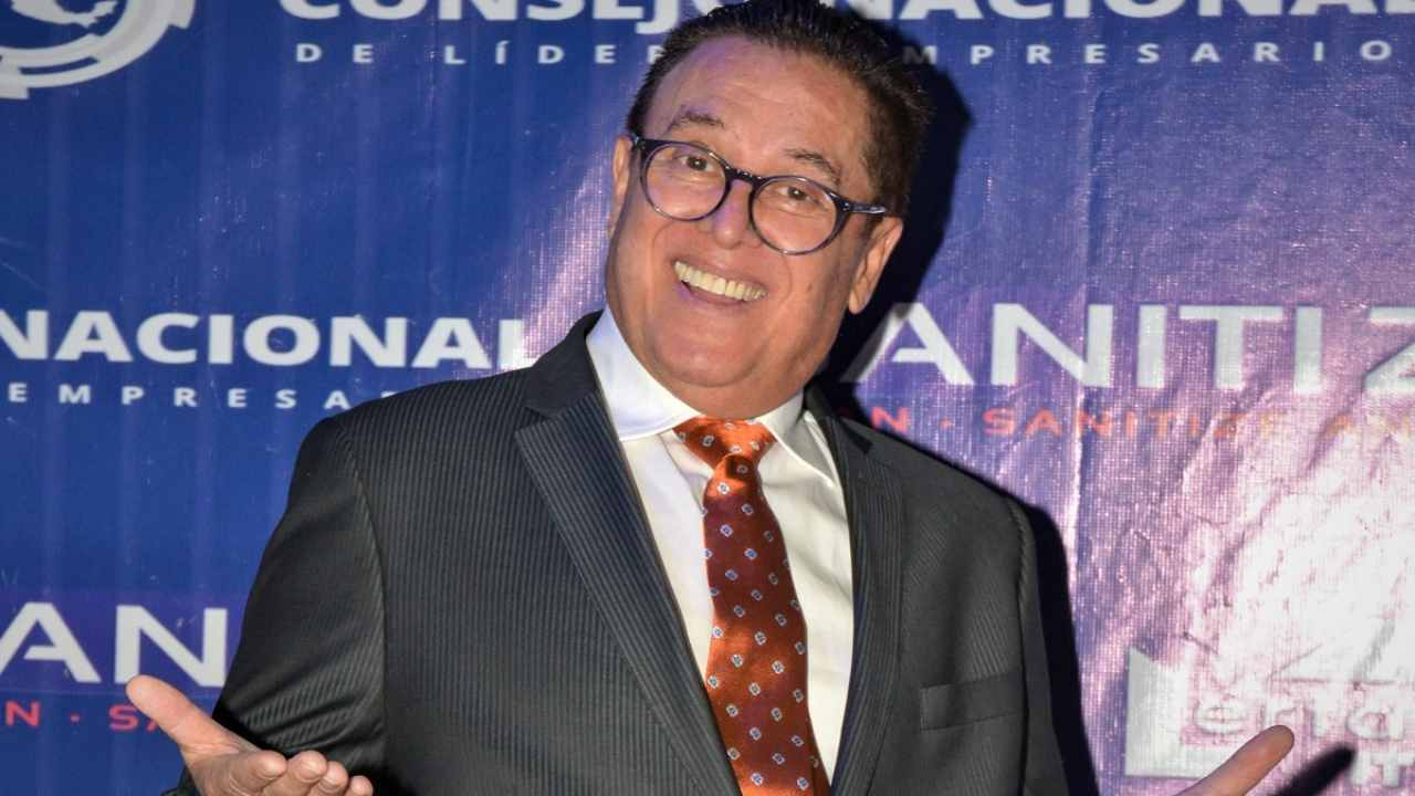 Mario Bezares planea serie de Paco Stanley