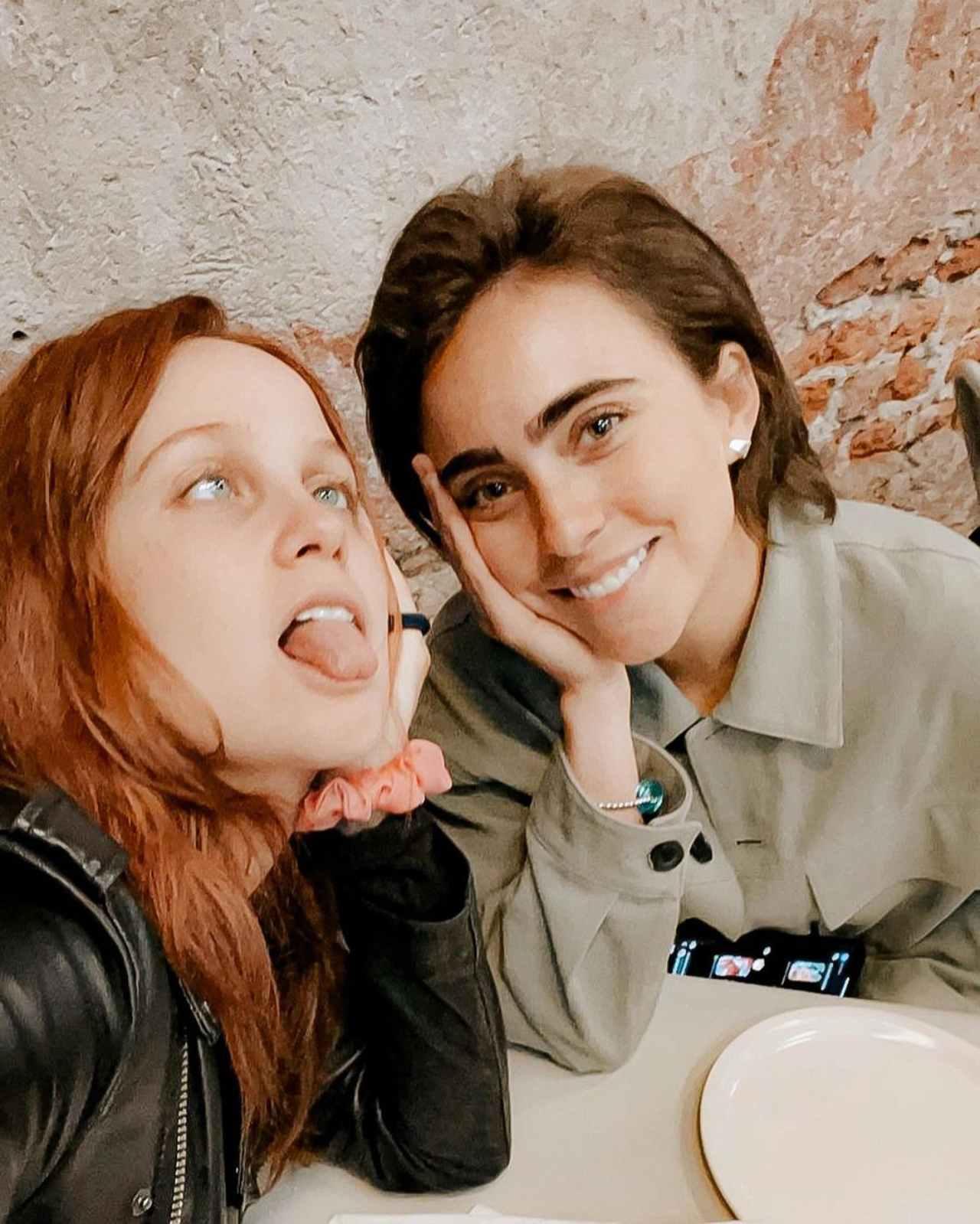 Natasha y Karla Farfán