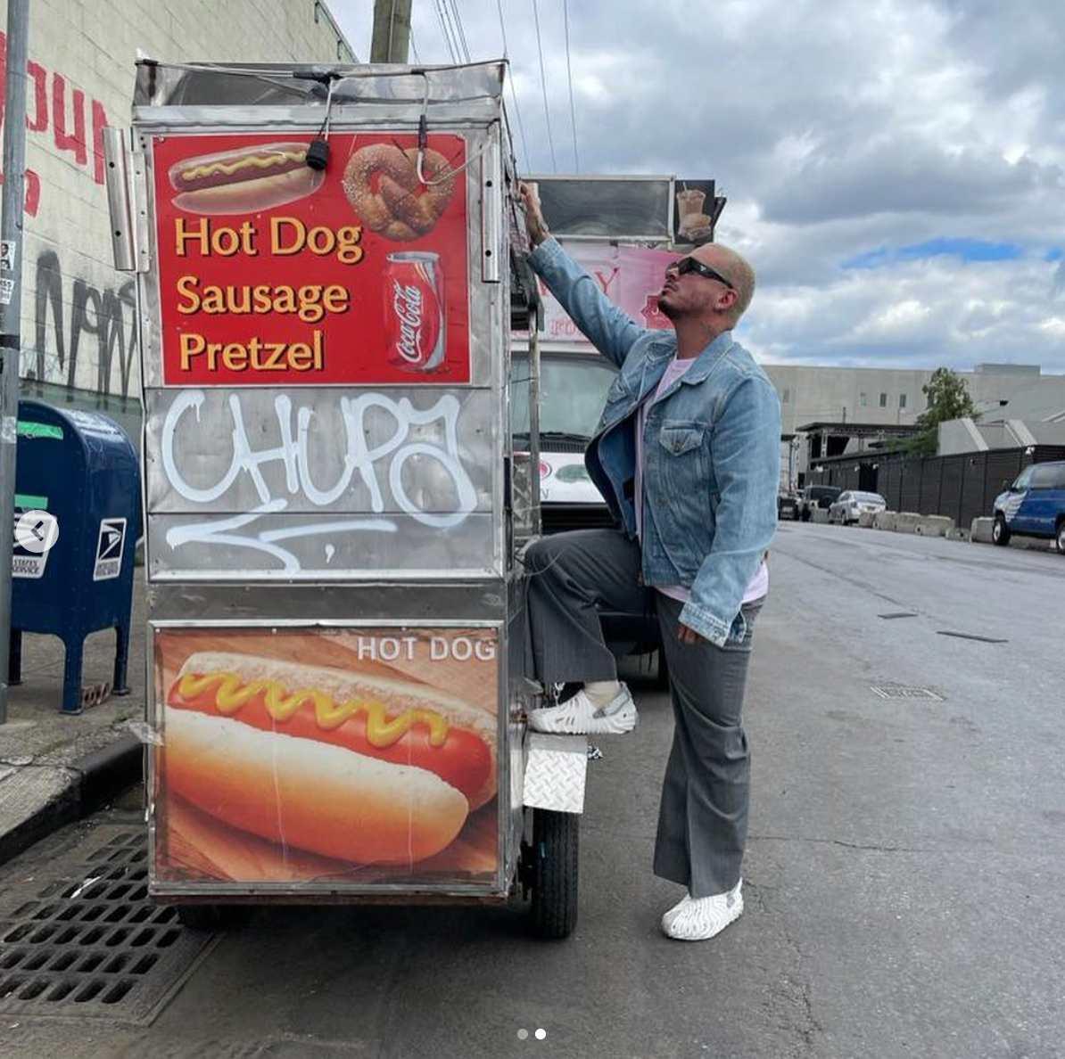 J Balvin hotdogs