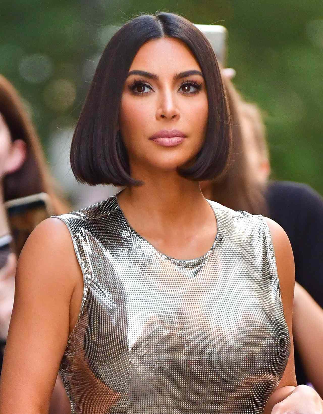 Kim Kardashian inspira look Angela Aguilar