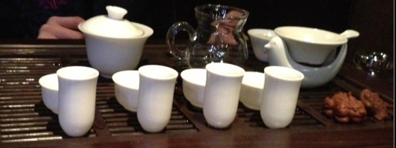 ?Oolong? çayı servisine hazırlık...