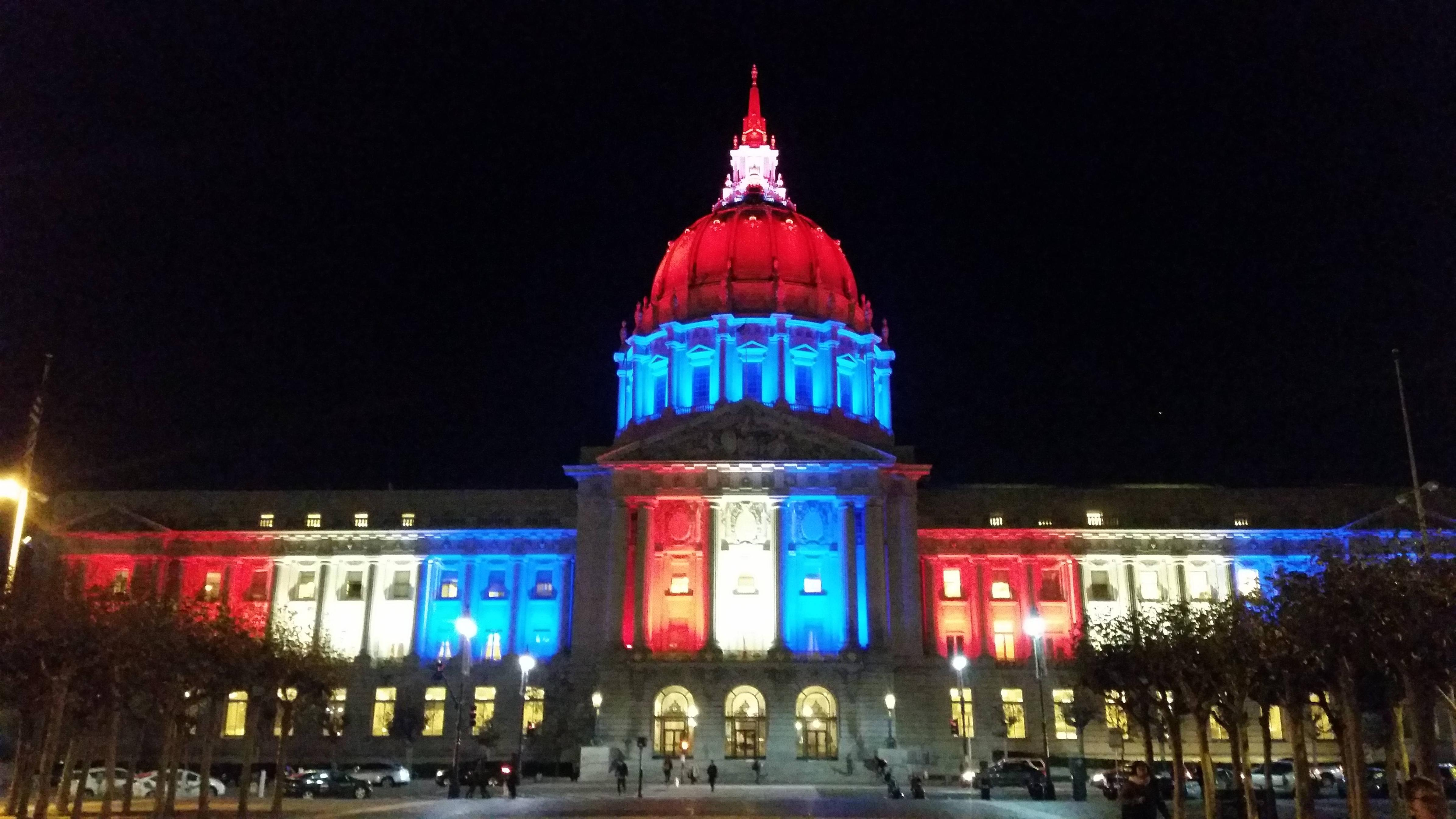 City Hall in San Franciso showing support to those in Paris, France