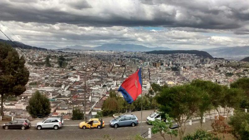 Sud America 2015/16 – Giorno #2 – Ecuador – Quito: strutture molecolari superiori o dramma dell'abbandono?