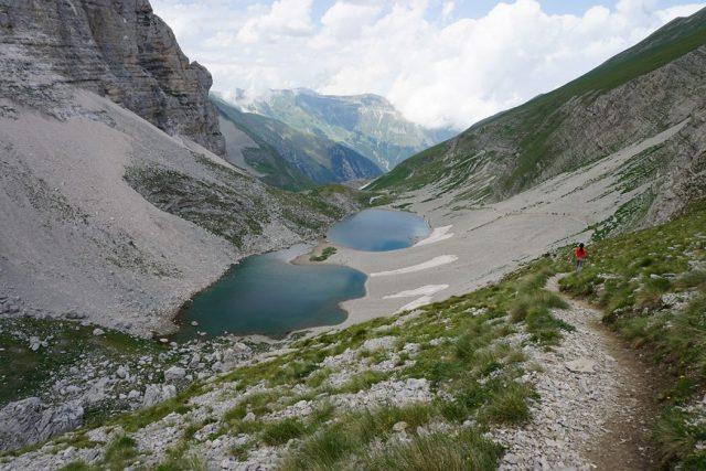 Trekking Sibillini: Castelluccio, Redentore, Laghi di Pilato. Itinerario ad anello tra creste, vette e laghi