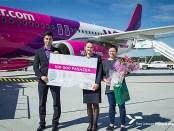 Der 100.000. Passagier ist in Szymany geladet, Foto: Pressematerial Flughafen Olsztyn-Mazury http://mazuryairport.pl