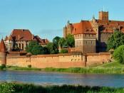 Die restaurierte Marienburg, Foto: DerHexer; derivate work: Carschten , CC BY-SA 3.0