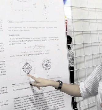 angelica astrain en congreso de fisica