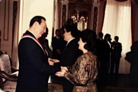 Saludando al presidente Andrés Rodríguez Rebeca Fernández