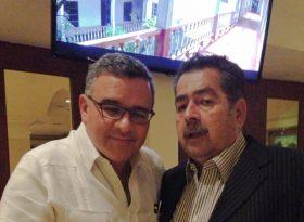 Ernesto Panamá con Mauricio Funes