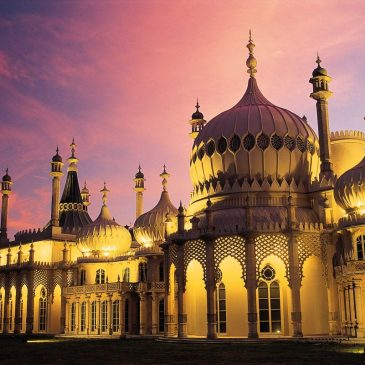 The Royal Pavilion in Brighton at sunset