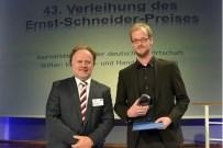 Laudator Jan Emendörfer (Chefredakteur Leipziger Volkszeitung), Preisträger Tiemo Rink (Tagesspiegel)
