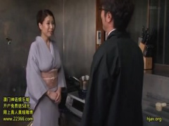 岡田真由香和服女将女将になった岡田真由香が和服姿でエッチしちゃう15:05