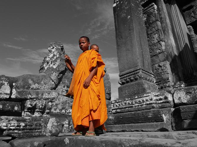 theravada thumb