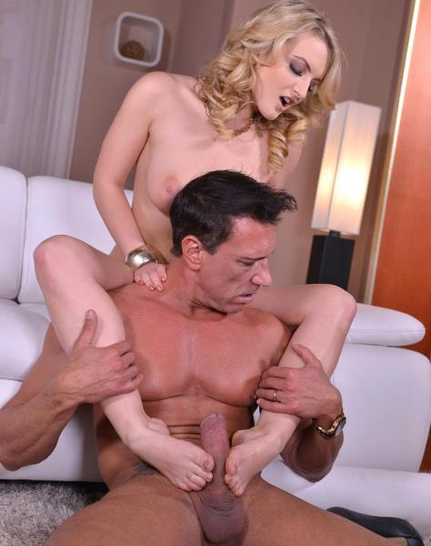 Jemma Valentine – Tired Sexy Feet – A Blondes Footjob Supplies His Want