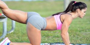 Fitnessbabe spottet på stranden – Billedegalleri!