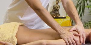 Giv din kvinde en massage hun aldrig glemmer! (Guide til bedre sex)