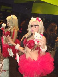 hello-kitty-halloween-costume.jpg
