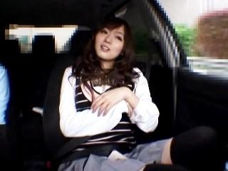 【麻倉憂】ドライブデート中に公衆トイレでフェラ抜き口内射精させられるS級美少女