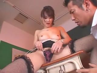 お漏らし人妻女教師 広瀬奈々美(堀口奈津美)
