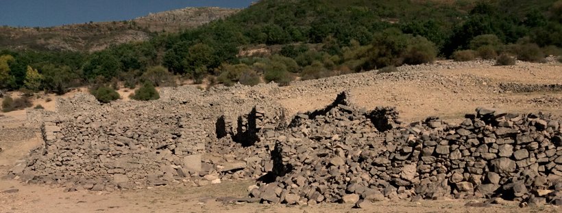 Ruinas de la casa de mi padre en Campo de Luna