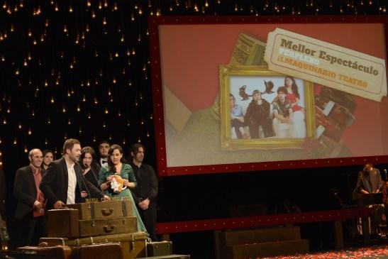 ilmaquinario recollendo premio ao mellor espectáculo 2