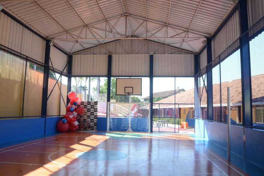 Quadra poliesportiva escola Maricá