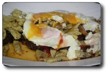 Huevos rotos con Morcilla