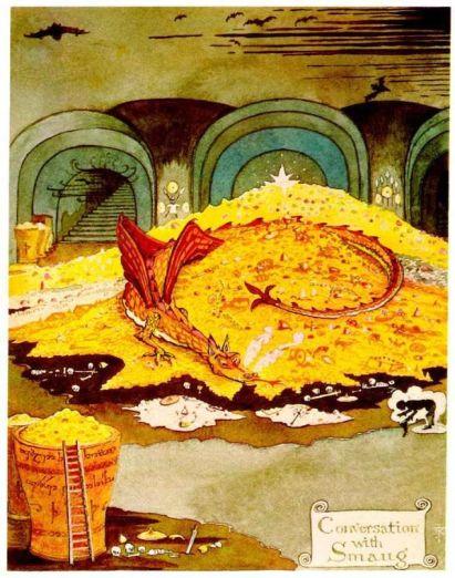 Le dragon Smaug couché sur son trésor fait face à Bilbo