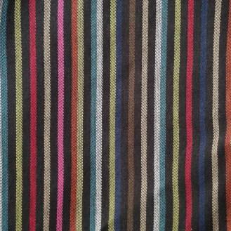 feste Webware aus Baumwolle mit bunten Streifen