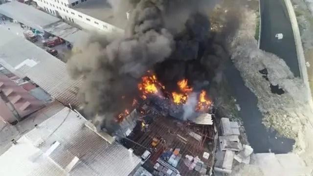 istanbul'da büyük yangın' dumanlar her yeri sardı!