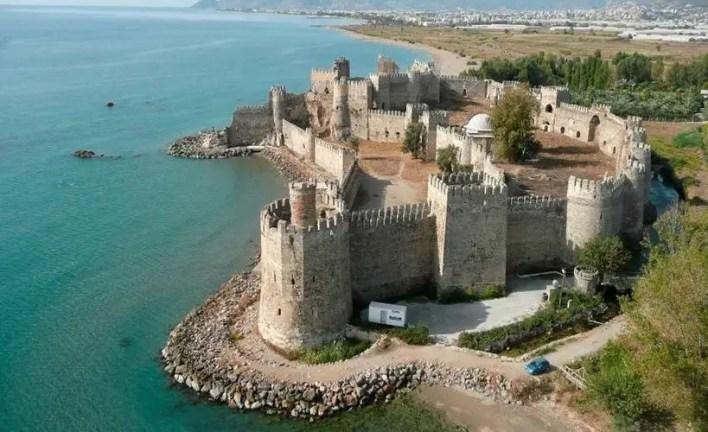 tarihin en önemli kaleleri nerelerdir? bilinmeyen tarihi kaleler
