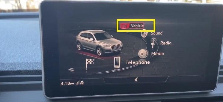 Audi Q5 Select vehicle