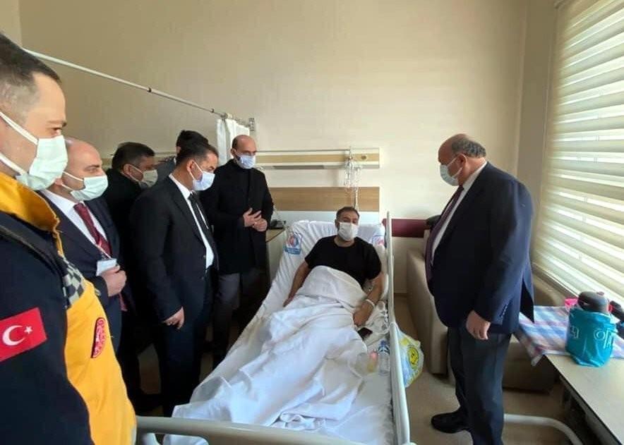 AK Parti heyeti hastalara şifa diledi