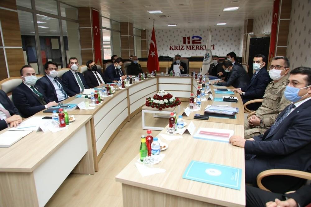 Erzincan'da İl Güvenlik ve Asayiş Koordinasyon toplantısı ile Kaymakamlar toplantısı düzenlendi