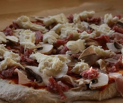 Pizzadeeg zelf maken