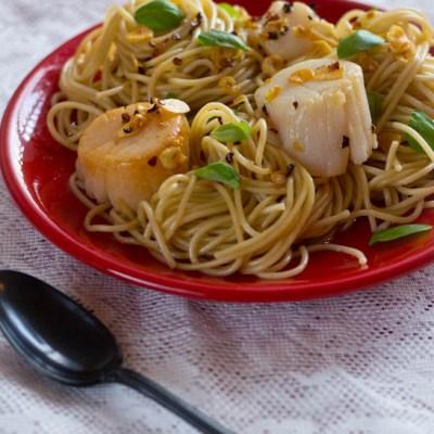 Recept coquilles met knoflook en chilivlokken pasta