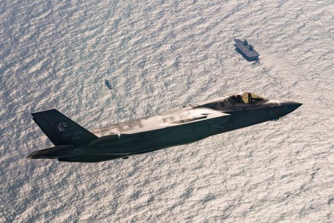 Primeros F-35B britanicos aterrizan en el HMS Queen Elizabeth