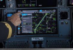 Touchscreen in A350 XWB cockpit (1)