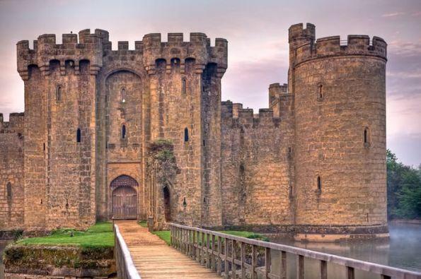 Castillos Medievales Castillo de Bodiam, Inglaterra fachada