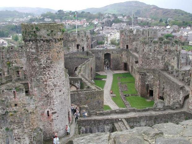 Castillos medievales Castillo de Conwy, Gales, Reino Unido vista panorámica
