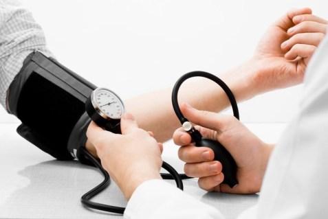 Signos De Estrés  que te hacen daño 5. Latidos rápidos del corazón e hipertensión
