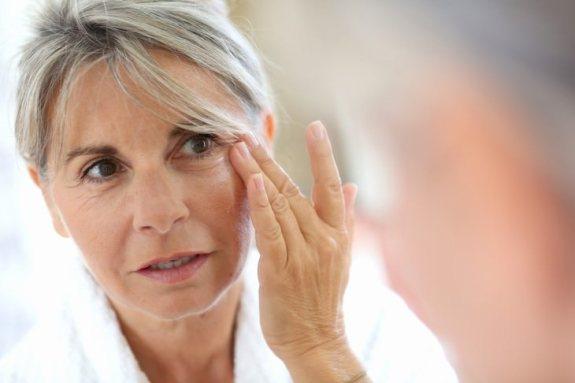 Signos De Estrés  que te hacen daño  3. Arrugas y pelos grises